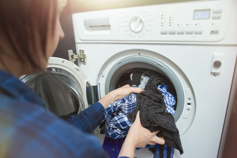 8 Ways Youre Damaging Your Clothes During Laundry Scivee